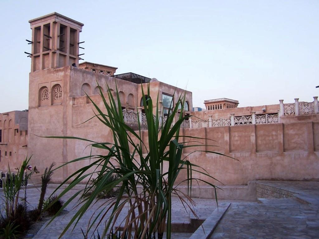 Al Bastakiya Souk, Dubai: f2.8; 1/60sec