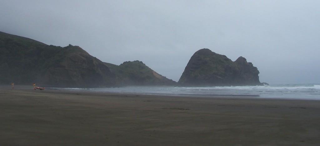Lion Rock of Piha, North Island, NZ: f/3.6; 1/350sec