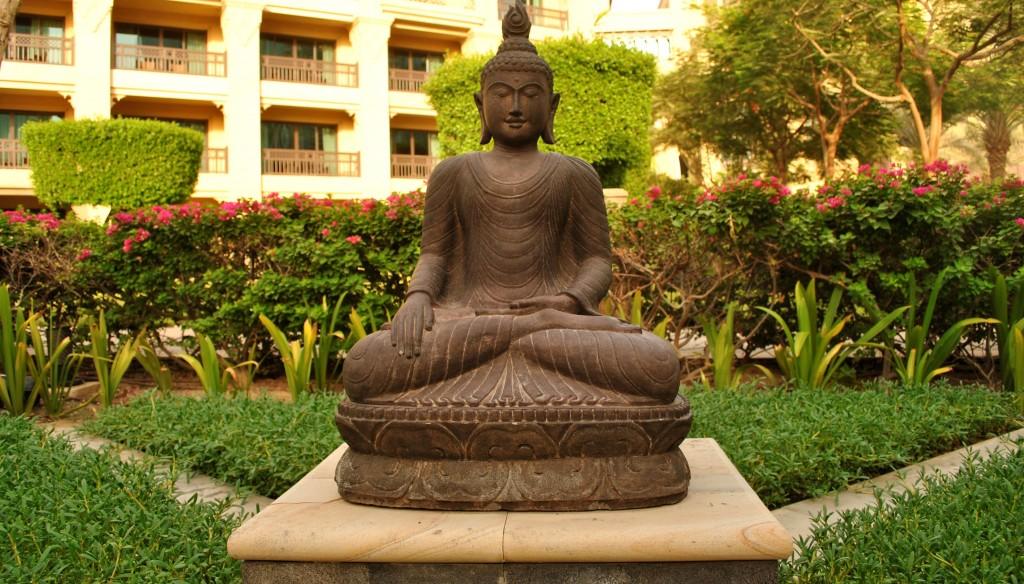 Buddha Garden, The Address Downtown, Dubai: f/5.6; 1/100sec; ISO-100