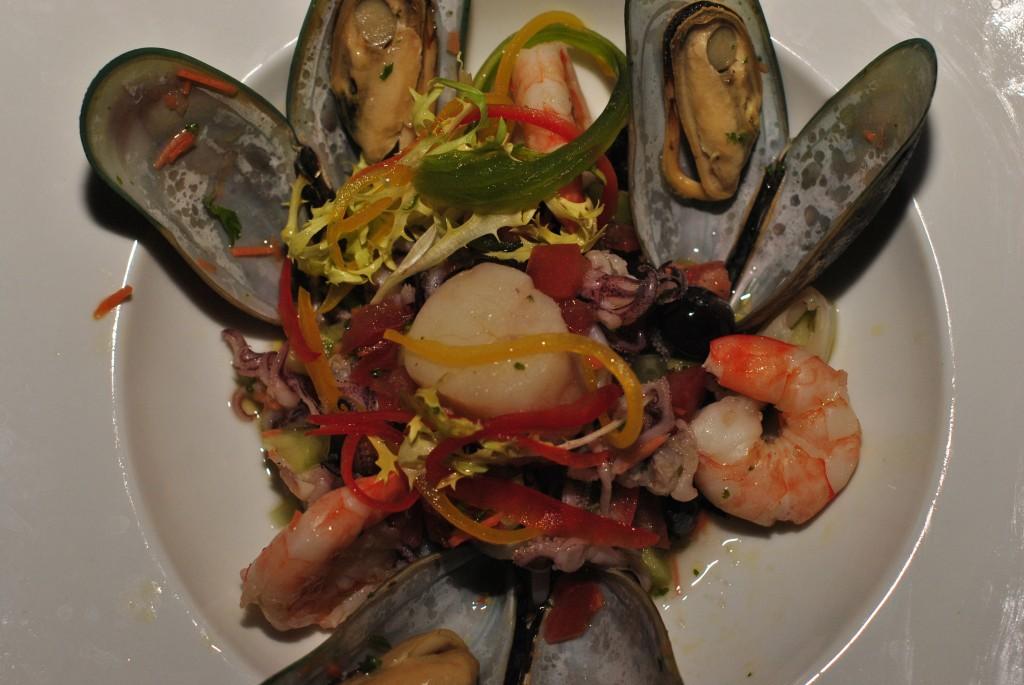 Salade Fruit di Mare: f/5; 1/60sec; ISO-400