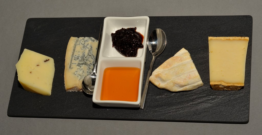 Nais Italian Kitchen Cheese Platter: f/8; 1/60sec; ISO-160