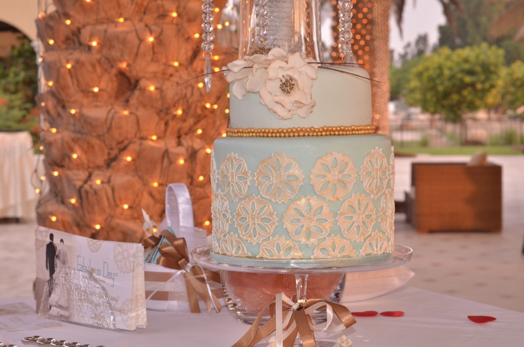 Wedding cake by Fabulous Days: f/8; 1/60sec; ISO-1400
