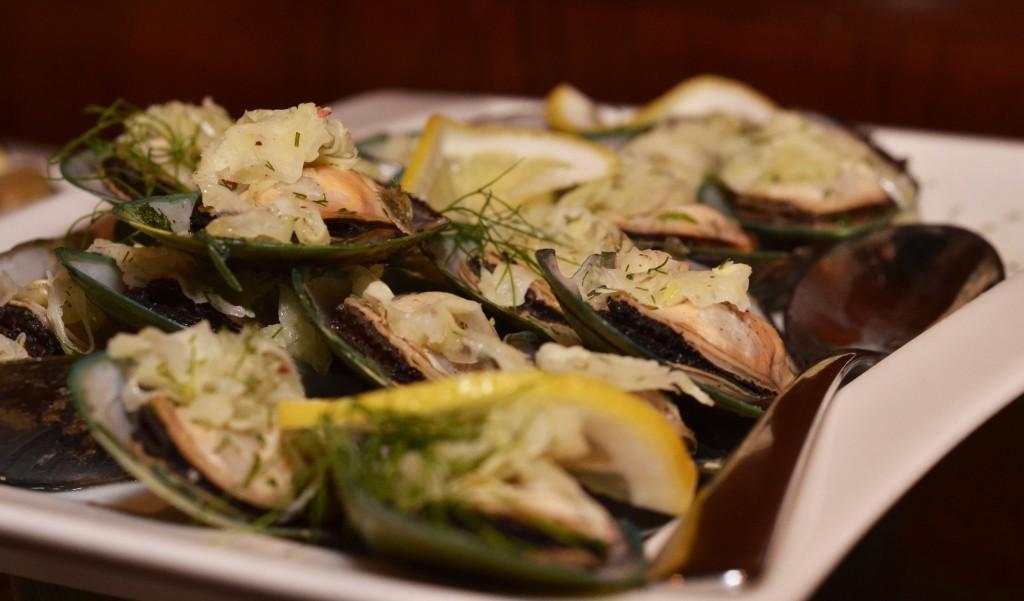 Mussels mezze: f/5; 1/60sec; ISO-900